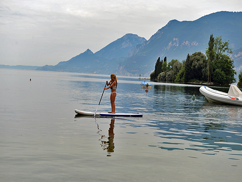 Stand Up Paddling Largo Di Garda