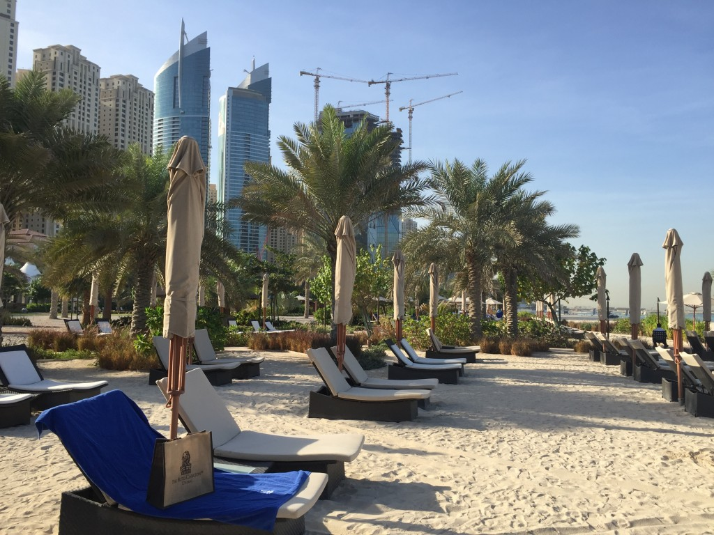 Dubai Marina Beach - www.miss-phiaselle.com - The Palm - Ritz Carlton Beach Dubai