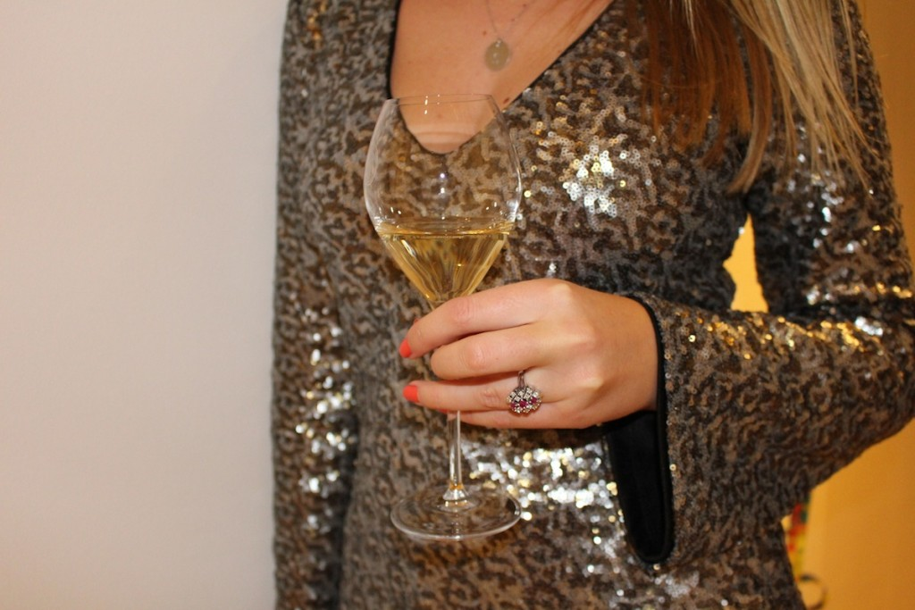 Silvester - 2015 - 2016 -NYE - Happy New Year - Fashion - Kleider - Champagner - Pailletten - Spitze - Blond