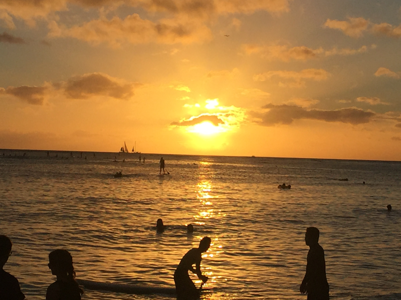 reisetipps-oahu-hawaii-waikiki-beach-sunset