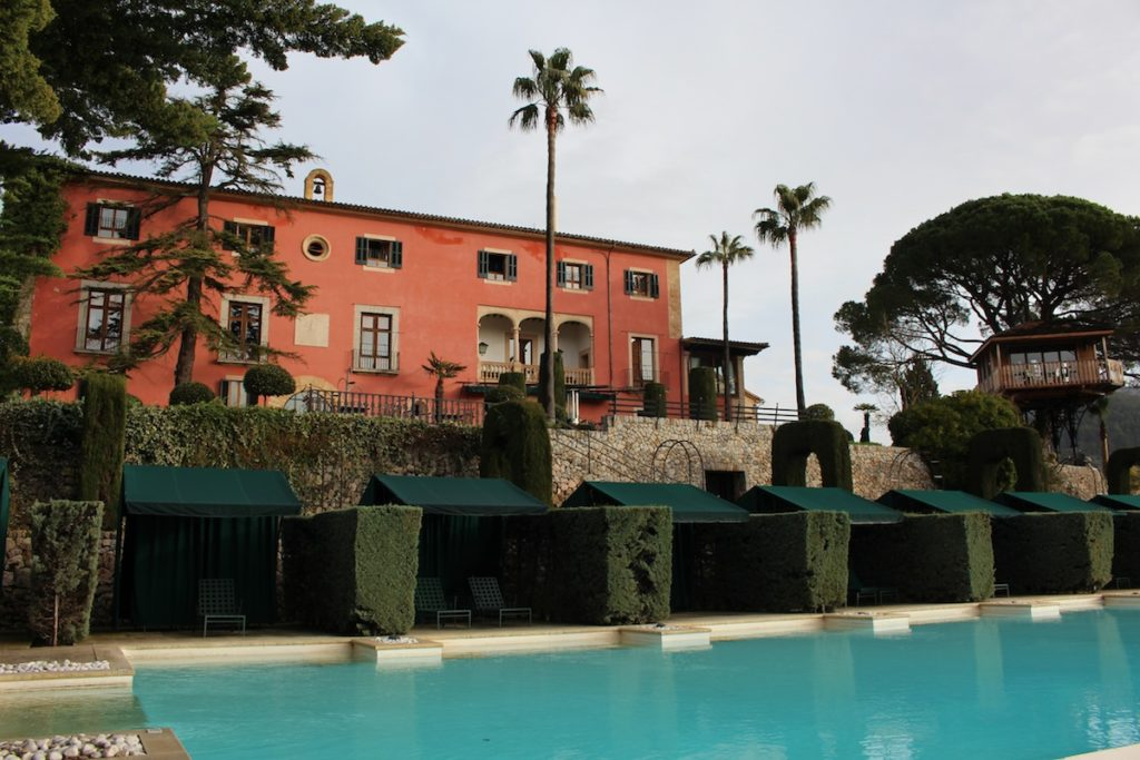 Gran Hotel Son Net-Boutique Hotel Mallorca-Small Luxury Hotels of the World-Mallorca Hoteltipp-Reiseblogger-Fincahotel Mallorca-Die besten Hotels auf Mallorca-Poolbereich Gran Hotel Son Net