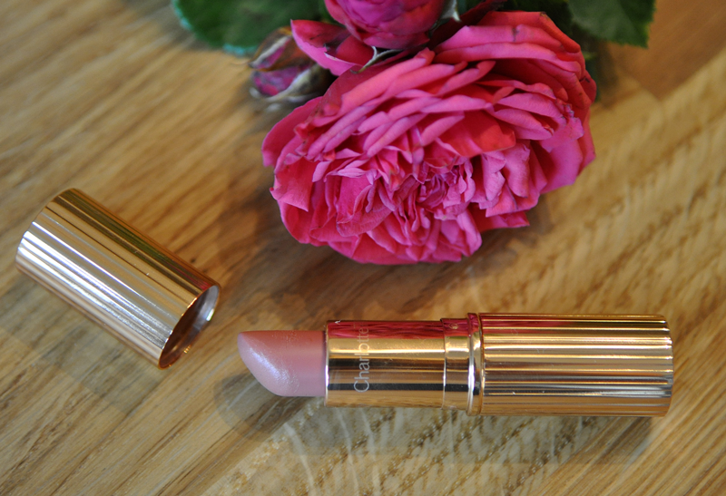 charlotte-tilbury-lipstick-swatch-bitch-perfect-sommer-beauty-favoriten