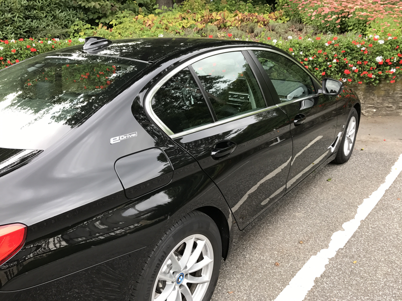 Schlosshotel-Kronberg-Small-Luxury-Hotels-of-the-World-Miss-Phiaselle-Reiseblogger-BMW-Electric-Drive