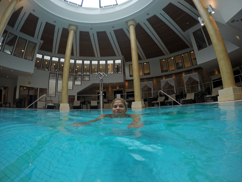 arosa-kitzbuehel-wellnessbereich-pool