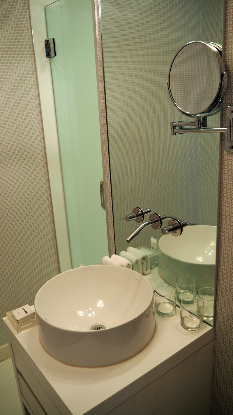 Shelborne-South-Beach-bathroom