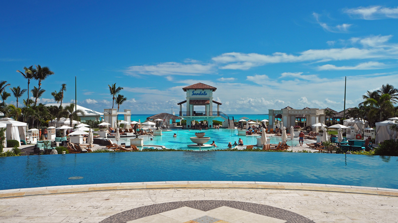 sandals-emerald-bay-great-exuma-pool