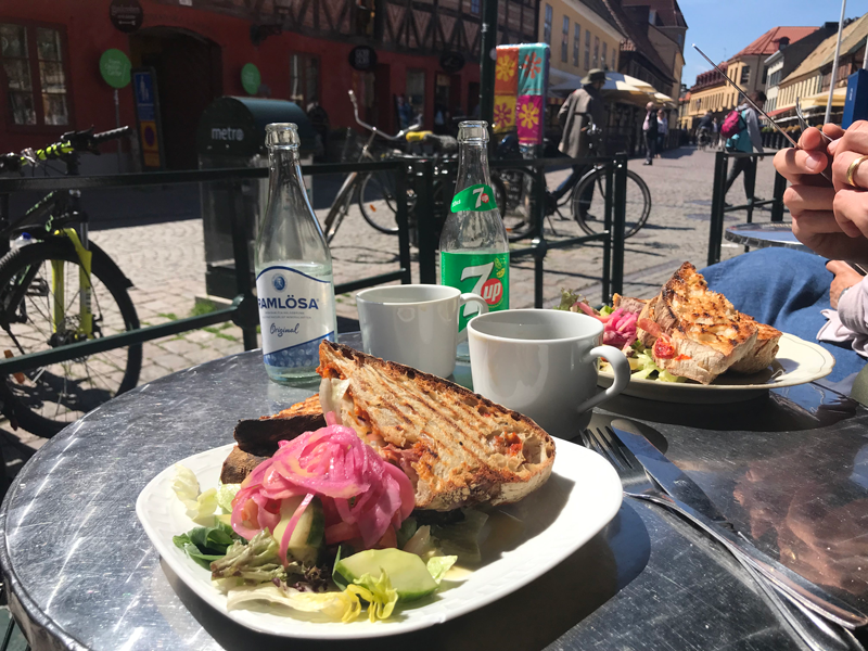 Tipps-fuer-suedschweden-malmoe-lilla-torg-cafe