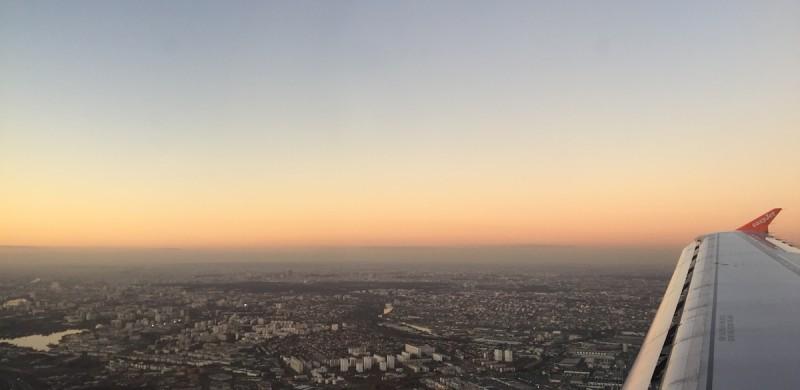 Anflug Paris - Flugzeug - Reiseplanung - Tipps & Tricks für die Reiseplanung - Paris - Easyjet - Flug buchen