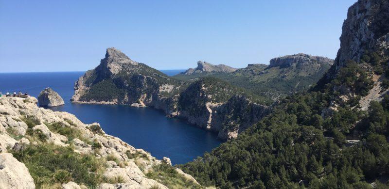 Mallorca im Fruehjahr-Mallorca im April-Insidertipps Mallorca-Geheimtipps Mallorca-Mallorca-Tipps Mallorca-Reiseblogger-Blick aufs Cap de Formentor